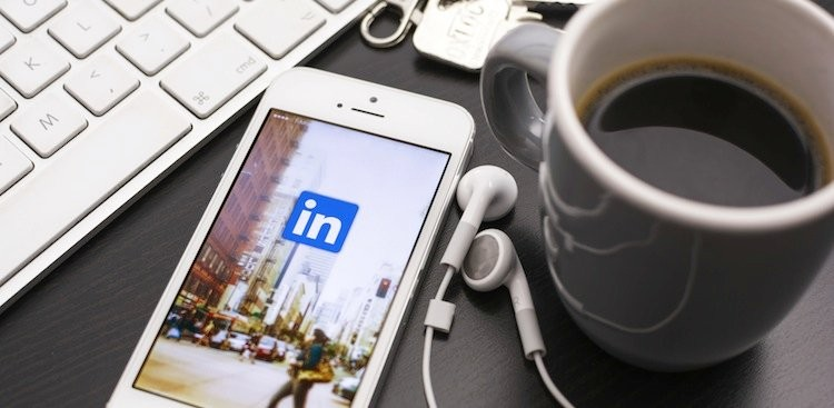 Career Guidance - 4 Tips for Reaching Out to Someone You Admire on LinkedIn