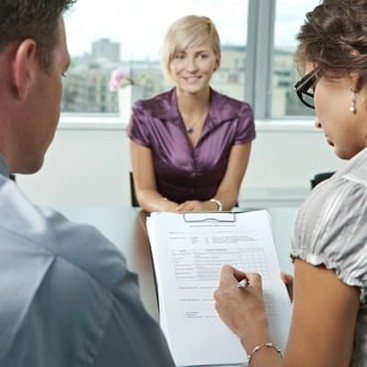 Career Guidance - 4 Ways Working With Consultants Can Boost Your Career