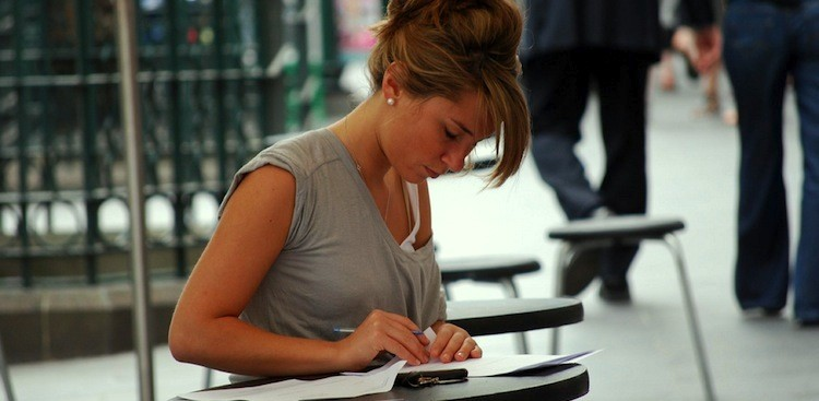 Tips for Putting Salary Requirements on your Cover Letter.