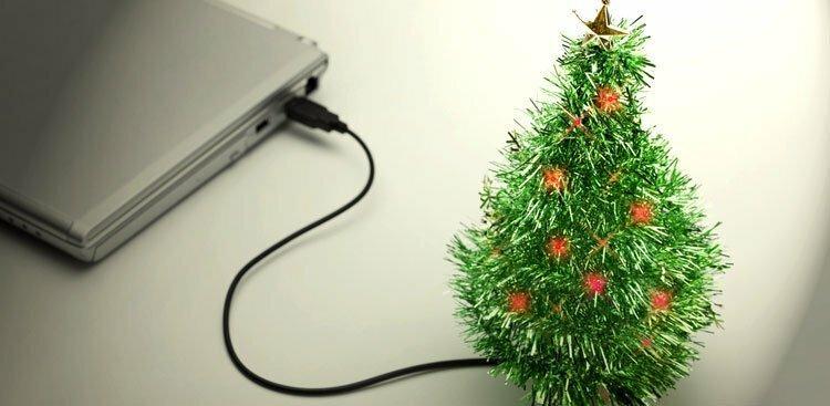 Christmas tree and computer