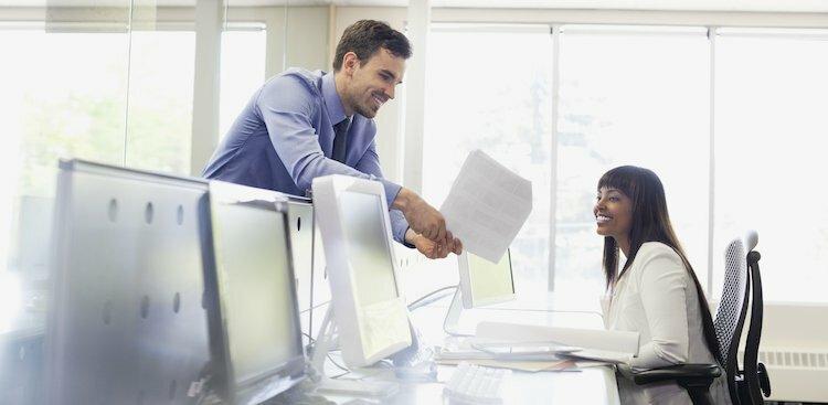 boss and employee talking