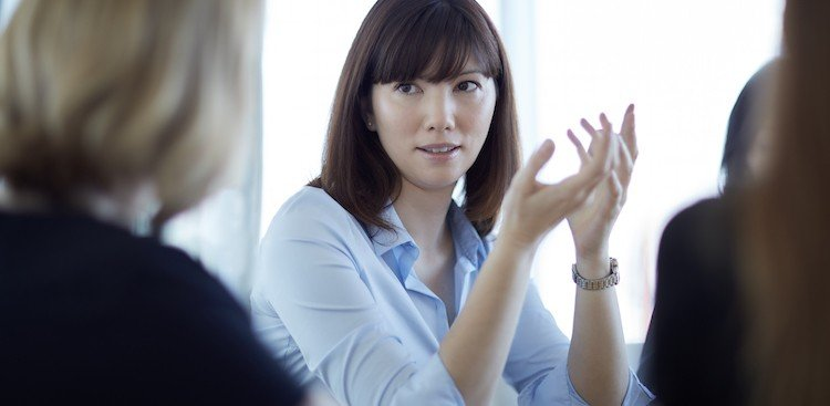 How You'll Want to Respond to Bad Feedback (and How You Actually Should)