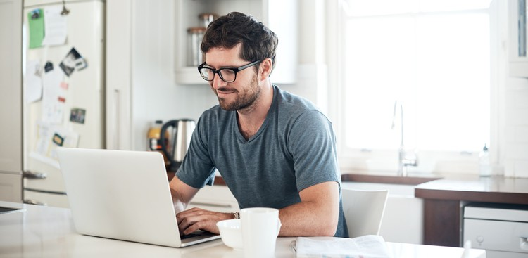 8 Essential Tasks to Jumpstart Your 2021 Job Search