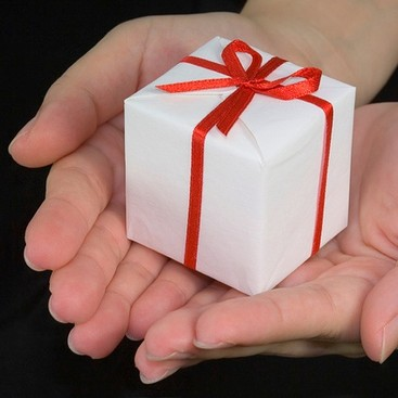 Career Guidance - Secret Santa Savvy: Dos and Don'ts for the Office Gift Exchange