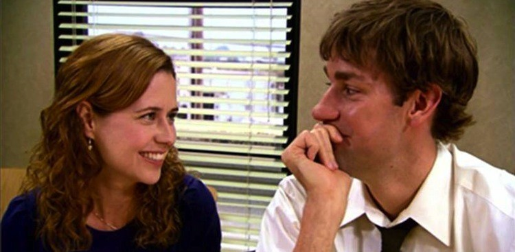 Career Guidance - Warning: Why You Should Avoid an Office Romance at All Costs