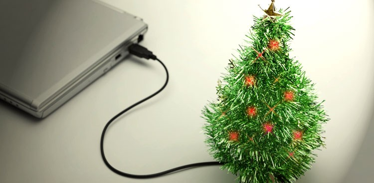 Career Guidance - 4 Productive Things to Do When You're Stuck at the Office Over the Holidays