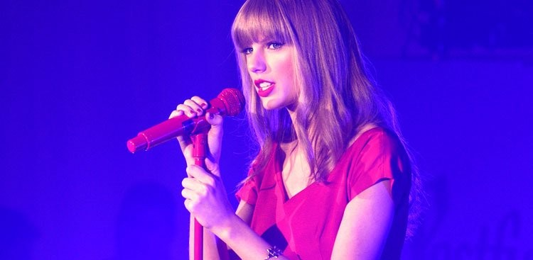 Career Guidance - How Taylor Swift Reinvented Herself (and You Can Do the Same)