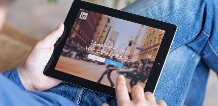 Connect With Strangers on LinkedIn