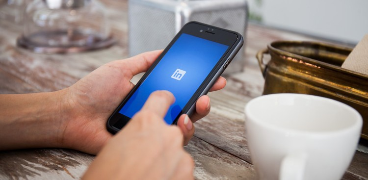 LinkedIn Resumes and LinkedIn Premium