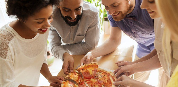4 ways to make friends at your new office