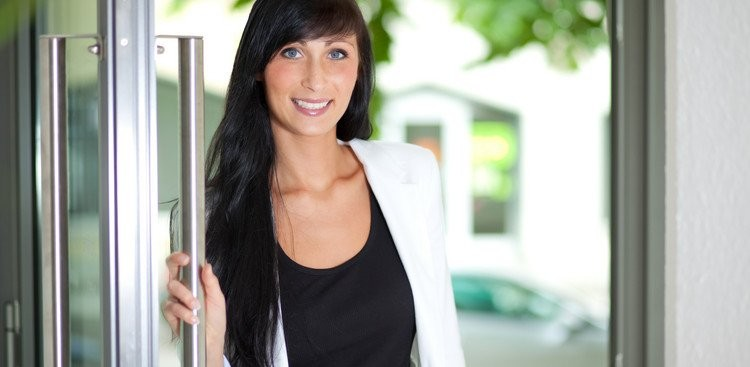 Career Guidance - 5 Ways to Boost Your Confidence in a New Job