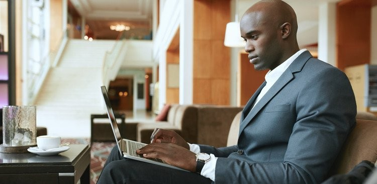 3 Networking Emails to Send When Job Searching