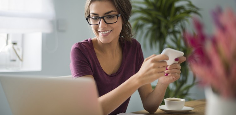 How to Navigate Social Media at Work - The Muse