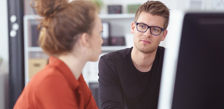 Career Guidance - 5 Better Responses to Backhanded Compliments Than Insulting the Person Back