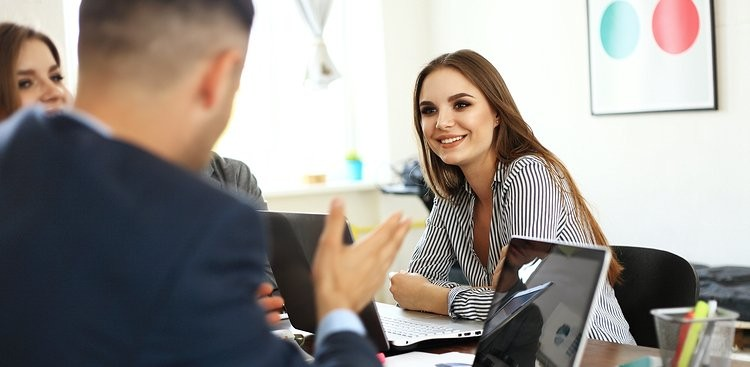 Career Guidance - Are You a Good Listener? Before Answering, Make Sure You're Not Making These 5 Mistakes