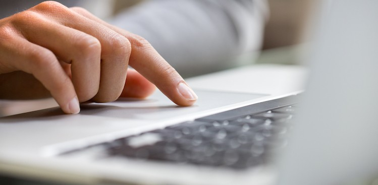 Typing With One Hand Makes You a Better Writer