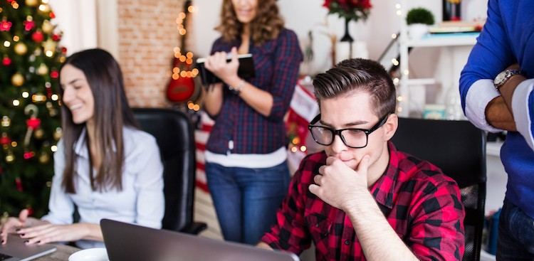 3 Types of Co-workers You See Over the Holidays