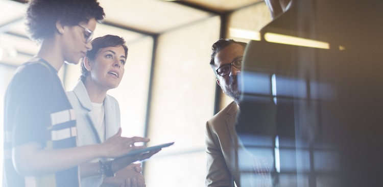 4 Ways to Deal With a Bossy Co-Worker on Your Team