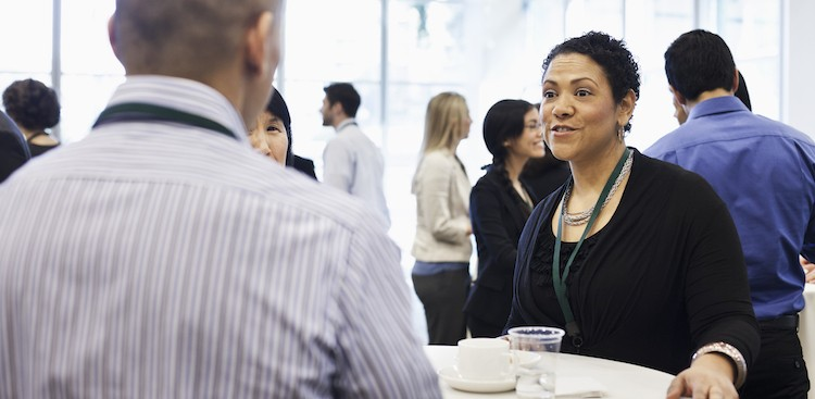 Career Guidance - 3 Smart Things to Bring Up When You're Trying to Avoid Awkward Pauses