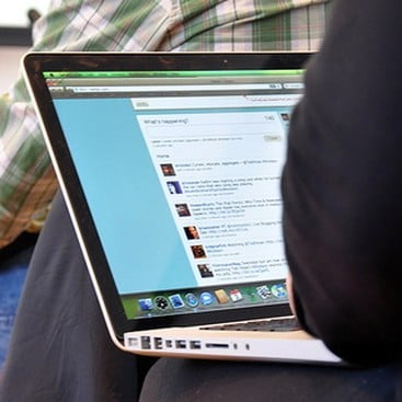 Career Guidance - 5 Tips for Managing Your Company's Twitter Account
