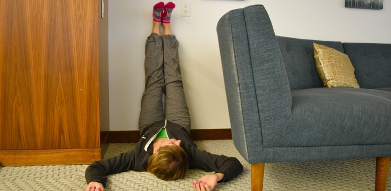 The Simple Yoga Pose That Helps You Fall Asleep - The Muse