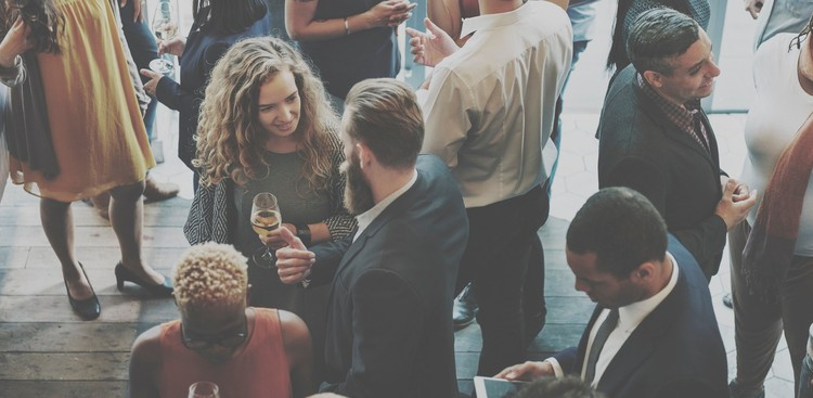 30 Conversation Starters for Successful Networking - The Muse
