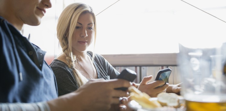 5 Apps to Easily Split Bills With Friends