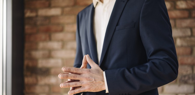 How to Use Hand Gestures to Look Confident at Work