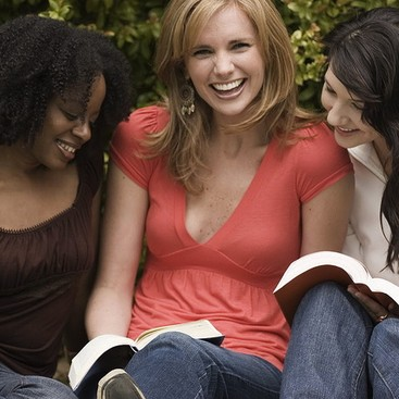 Career Guidance - The Secret to Staying in Touch With Long-Distance Friends