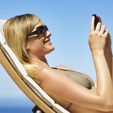 Career Guidance - Must-Have Apps and Gadgets for Your Summer Vacay