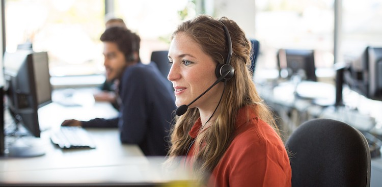Career Guidance - 5 Pretty Decent Benefits of Starting Your Career in Customer Service
