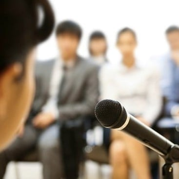 Career Guidance - 4 Qualities of Amazing Public Speakers