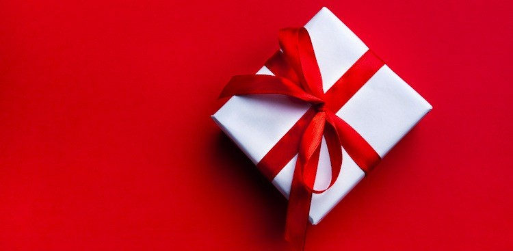 Career Guidance - 4 Ways to Spread (Cheap!) Holiday Cheer to Your Clients