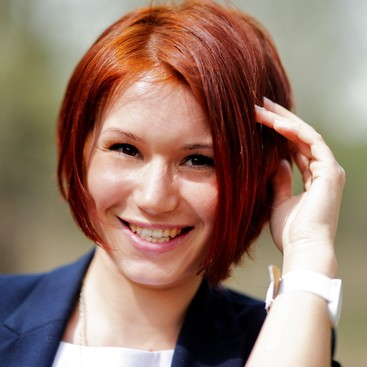 Career Guidance - 6 Cute Hairstyles for Short Hair