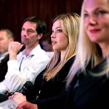 Career Guidance - 3 Great Reasons to Attend Conferences as a New Grad