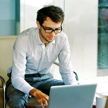 Career Guidance - 9 Great Reads on Social Media Strategy