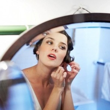 Career Guidance - Does Your Makeup Matter at Work?