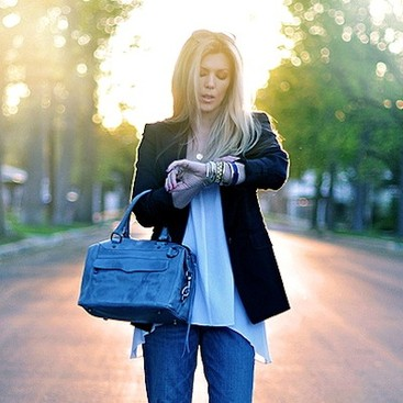 Career Guidance - 5 Ways to Wear Conservative Pieces in a Casual Workplace