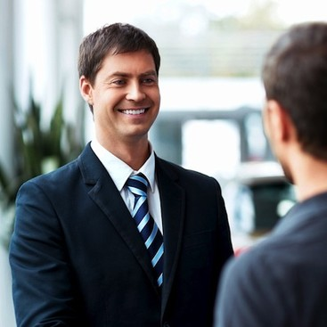 8 Ways To Make A Great First Impression At An Interview