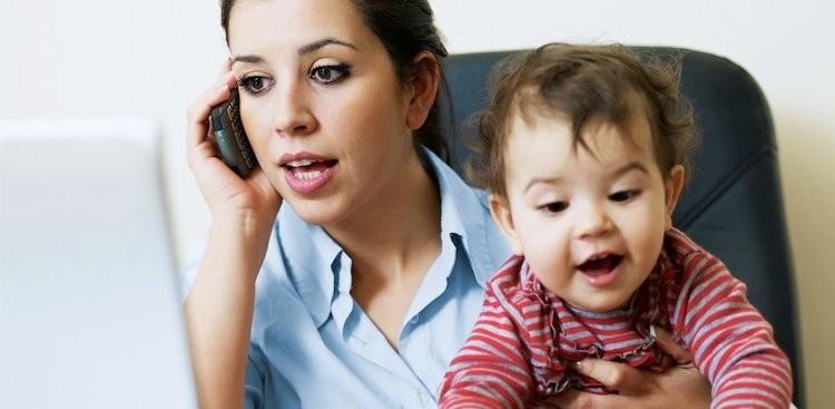 Career Guidance - Beating New-Mom Stress: What the Pros Say