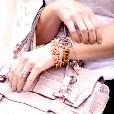 Career Guidance - Simply Chic: 40 Accessories You Can Wear With Anything