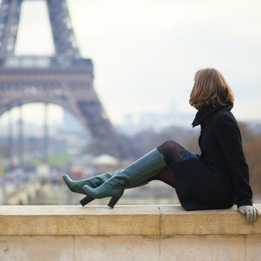 Career Guidance - What to Read on the Subway This Week: A Literary Trip to Paris