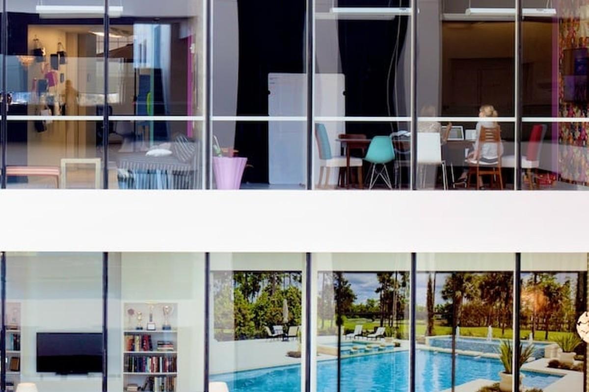 Airbnb company profile
