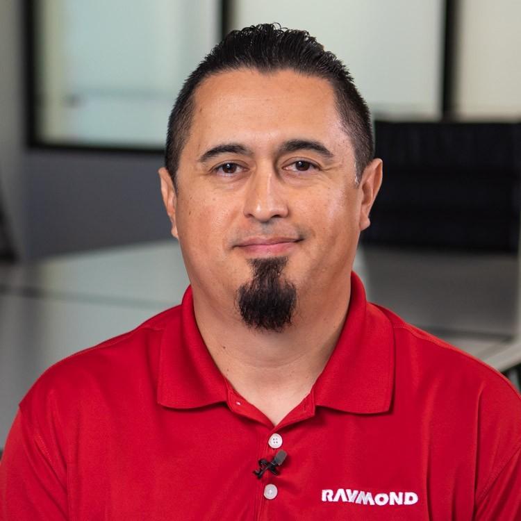 Raymond Handling Solutions Employee