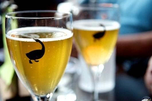 Goose Island Brewery Company Image