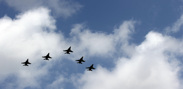 formation of military jets
