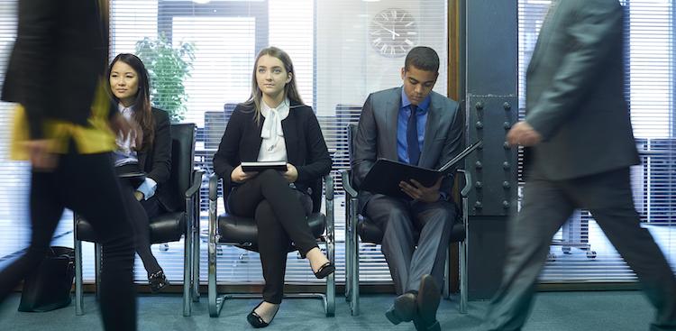 Career Guidance - A Surprising Way to Decrease Gender Bias in Performance Reviews